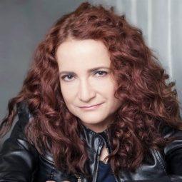 @barbdelafuente Barbara de la Fuente as Editor