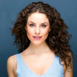@Melinda_Michael Melinda Michael as Angie